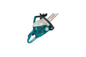 Makita DCS4610 Chainsaw - How to Install a Bar & Chain