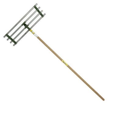 Gravel or Soil Levelling Rake